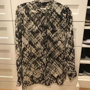 Vince printed chiffon button if front blouse